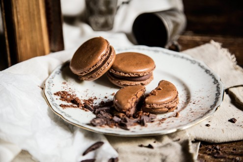 Bitter-chocolate-macaron 7